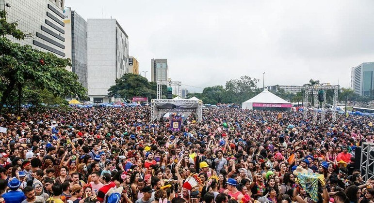 Festa popular movimenta setores como cultura e economia, mas a saúde deve prevalecer na decisão