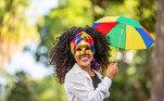 6- #carnaval. Não só um dos feriados mais importantes do ano, como também uma das maiores festas do mundo. Todos os anos, o carnaval reúne milhões de foliões que vão às ruas nas principais de cidades do país