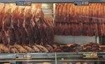 SP - AUMENTO-PREÇO-CARNE - GERAL - Fila em açougue em São Paulo (SP), neste sábado (14). A falta de chuva nos pastos, alta da demanda interna e das exportações para China fizeram o valor da carne bovina disparar no último mês. 14/12/2019 - Foto: MARCO AMBROSIO/FUTURA PRESS/FUTURA PRESS/ESTADÃO CONTEÚDO