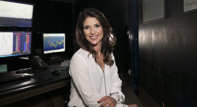 Carol Paiffer, fundadora do Êxito e CEO da Atom, comanda as lives