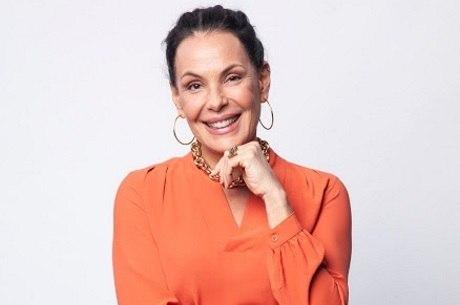 Carolina Ferraz comanda o Domingo Espetacular na Record TV