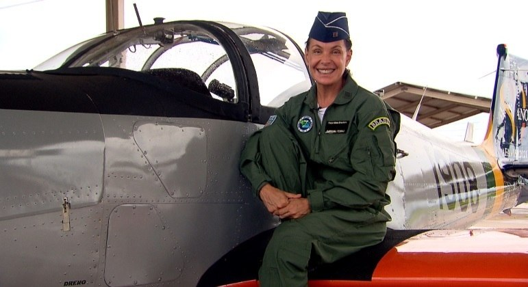 Carolina Ferraz mostra a rotina das mulheres que querem ser pilotos na FAB