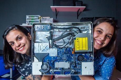 Caroline Almeida e Camila Gonçalves criaram a TechYou