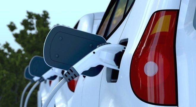 Os carros elétricos vêm ganhando espaço no mercado automobilístico