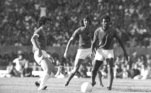 Este meio-campo fabuloso era completado por Paulo César Carpegiani, um maestro da equipe. Ele tinha uma visão ampla do campo e muita classe ao iniciar as jogadas. Atuou pelo Brasil na Copa de 1974 eparticipou do bicampeonato brasileiro do Inter em 1975-1976