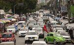 Carreata organizada por várias entidades, associações de classe e partidos políticos, reúne mais de 500 carros na Doca de Souza Franco , em Belém (PA)