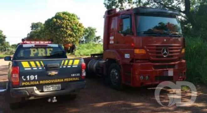 PRF prende envolvido em roubo e recupera cavalo trator