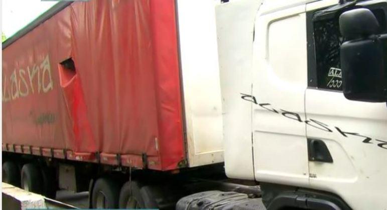 Cinco suspeitos são presos após roubo de carga de cerveja na marginal Tietê