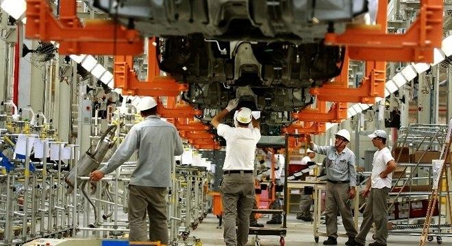 Presidente da Anfavea diz que carga tributária do Brasil chega a 36%