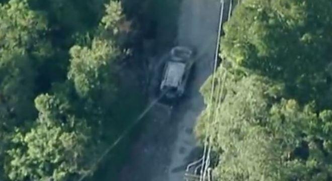 Carro das vítimas foi abandonado em São Bernardo, com os corpos no porta-malas