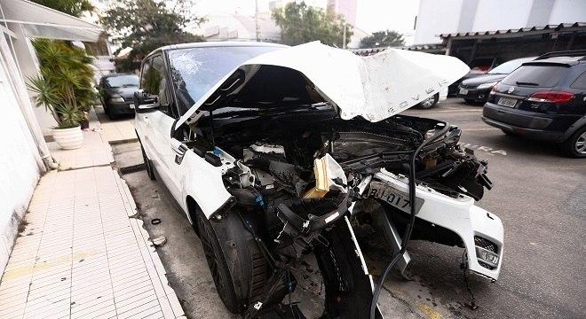Zagueiro do São Paulo se envolveu em acidente de trânsito nesta segunda-feira