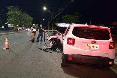 Carro estava estacionado no momento do crime