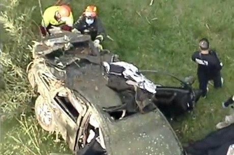 Carro achado com ossada às margens da rodovia Dutra