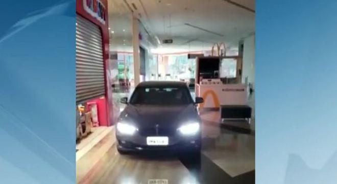 Shopping de Botucatu (SP) suspende entrada de carros em corredores