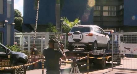 Carro foi levado para sede da Polícia Federal