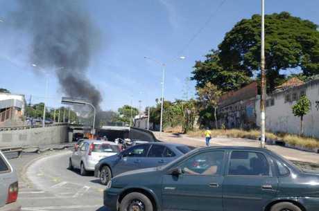 Incêndio aconteceu no sentido centro/bairro