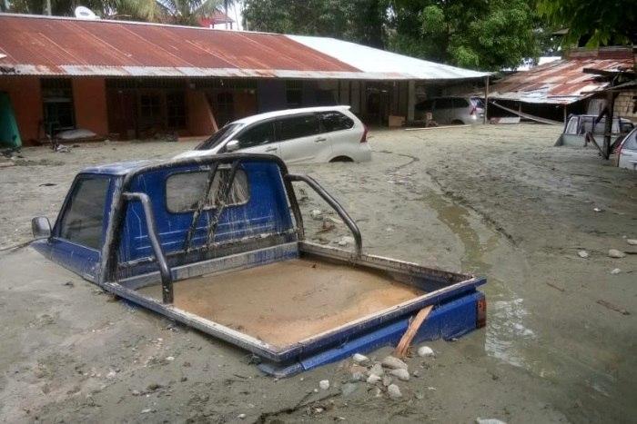 Inundações repentinas matam ao menos 58 pessoas na Indonésia