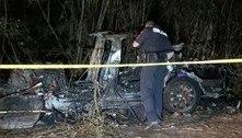 Carro da Tesla bate no modo piloto automático e mata duas pessoas