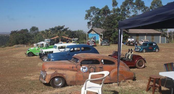 Evento de carros antigos está sendo realizado na Fazenda Piquet, em Brasília