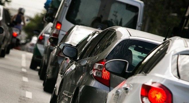 Proprietários de veículos tem até a próxima quarta-feira (26) para pagar o IPVA
