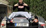O atacante Karim Benzema é dono de uma Bugatti Chiron