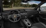 O modelo do carro é completo e agradou à influenciadora digital