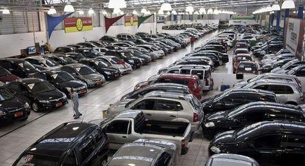 Automóveis estão até 8% mais caros no Brasil