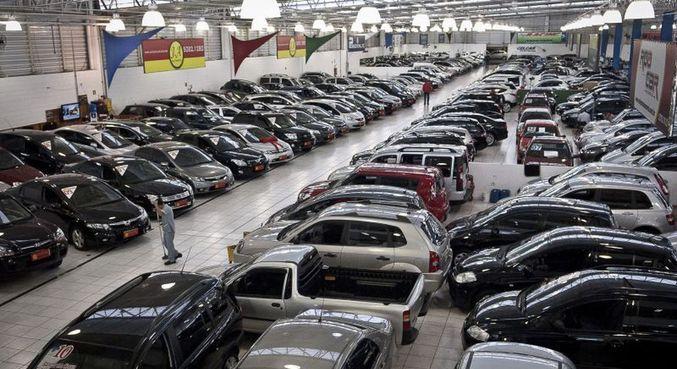 Alta do ICMS compromete venda de carros usados em São Paulo, diz Fenabrave