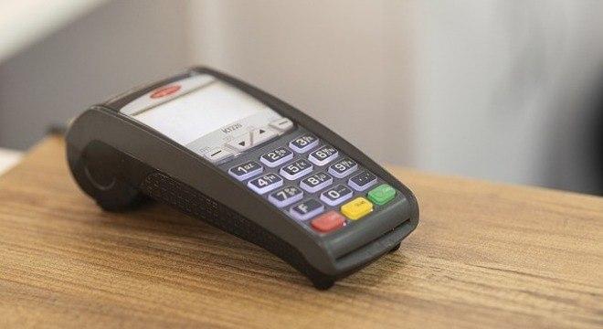 Pagamento por aproximação é seguro, mas pode ser usado em golpes