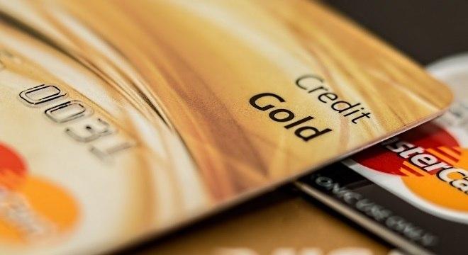 Taxa de juros do cartão de crédito é a mais alta desde março de 2018