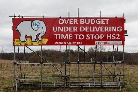 O desenvolvimento da rede ferroviária de alta velocidade do Reino Unido tem sido alvo de críticas por causa do gasto