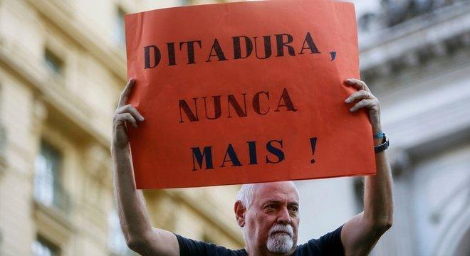 Além de civis, o governo militar perseguiu mais de 6.000 militares durante a ditadura