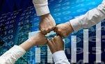 Fundos de investimento: é quando um grupo se reúne paraoptar por uma cota de um mesmo produto financeiro. Nesta modalidade, os ganhossão obtidos a partir da valorização do aporte realizado. Na plataforma da XP,existem opções a partir de R$ 100