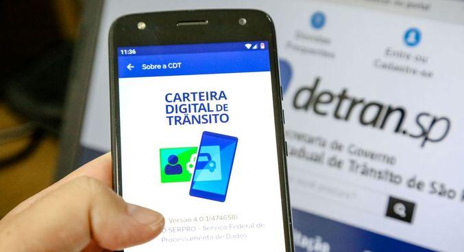 Aplicativo inclui a carteira de motorista e o documento do veículo