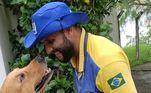 Ele até sonha em abrir o próprio abrigo de animais para que ele possa ajudar seus amiguinhos animais ainda mais do que ele faz agora (o que ainda é muito para qualquer padrão)