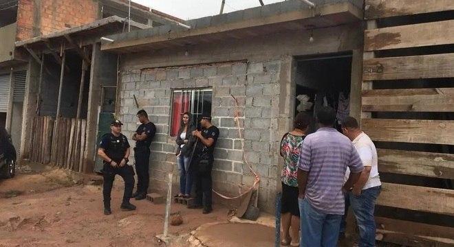 A Defesa Civil interditou a casa da família em Embu das Artes (SP)