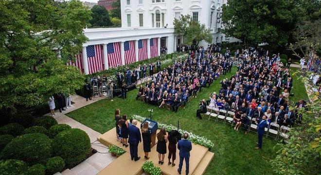 Evento na Casa Branca no sábado passado reuniu dezenas de pessoas