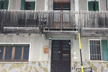Casa onde brasileiros costumam se hospedar Val di Zoldo está vazia e fechada