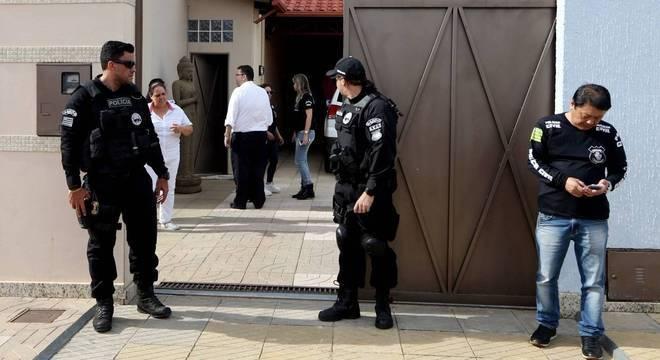 Polícia realizou operação em pelo menos três endereços ligados a João de Deus