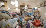 Sherry mora na Virginia (Estados Unidos) e tinha a prática do colecionismo, o que fazia guardar tudo que tinha e ainda levar lixo para dentro da residência