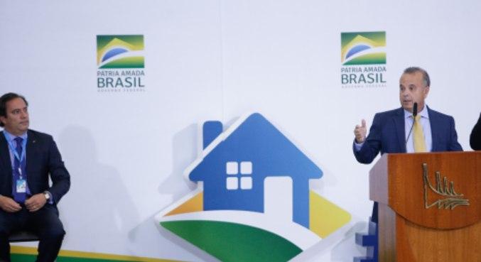O presidente da Caixa, Pedro Guimarães, e o ministro Rogério Marinho