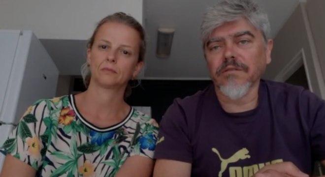 Simone e Eduardo estão aflitos por não saber quando voltarão ao Brasil