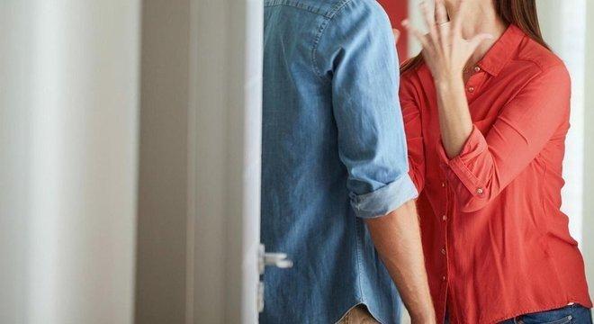 Um estudo descobriu que pessoas eram mais agressivas com seus parceiros quando tinham níveis de glicose mais baixos