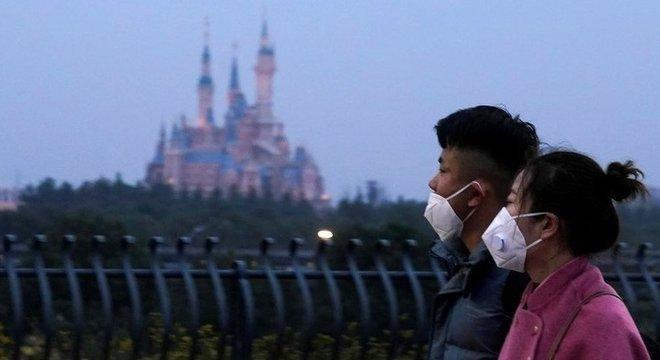 China conseguiu desacelerar avanço do novo coronavírus com medidas de restrição de movimentos da população