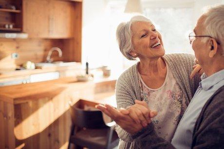 Aumentar em mais de 10 anos a longevidade é, segundo estudo de Harvard, uma questão de como você segue cinco hábitos
