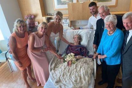 Cerimônia de casamento foi realizada em quarto de hospital