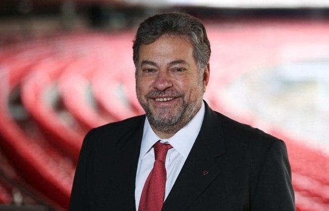 Casares - Curiosamente, na época do encerramento da parceria, Julio Casares, atual presidente do São Paulo, era vice de marketing do Tricolor;