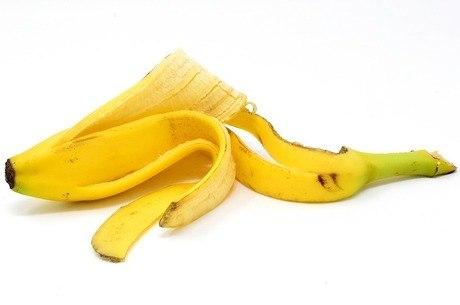 Casca de banana tem sido usada na tentativa de clarear dentes