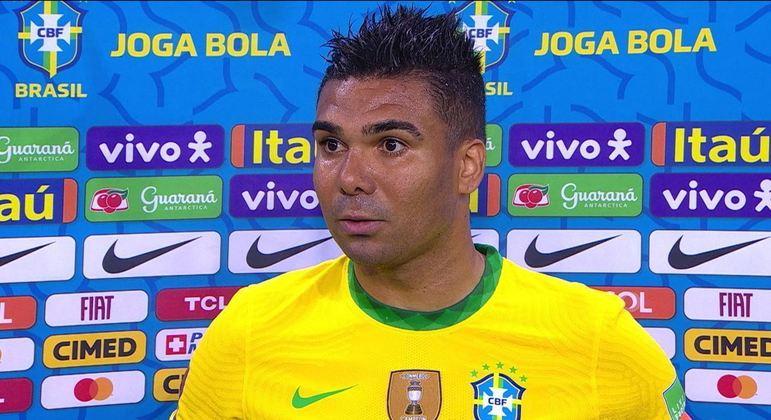 Casemiro, seríssimo, na entrevista pós-jogo contra o Equador