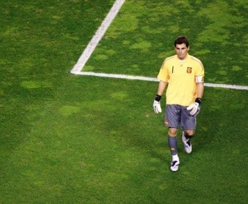Casillas fez história também na seleção espanhola. Ele atuou desde as categorias de base, onde venceu o Mundial Sub-20 e as Eurocopas Sub-15 e Sub-17.